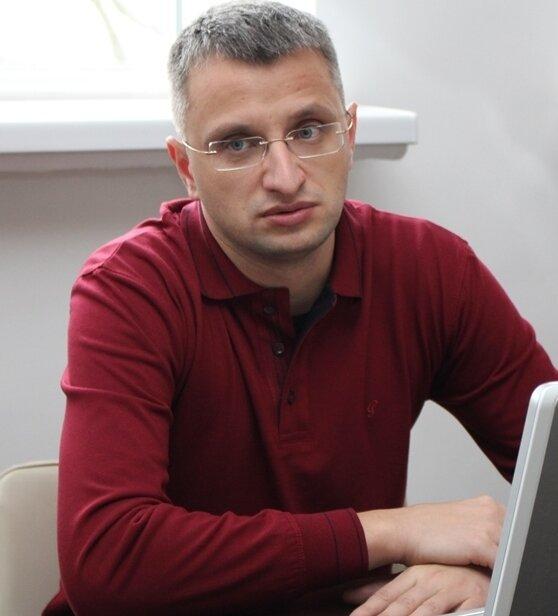 Петро Лавринюк