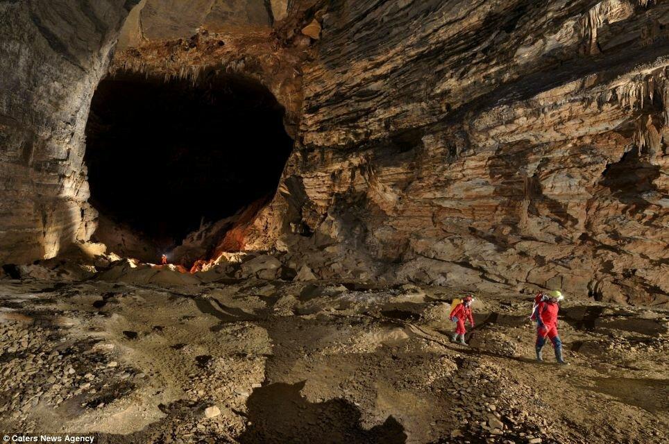 Печера Ер Ван Донг